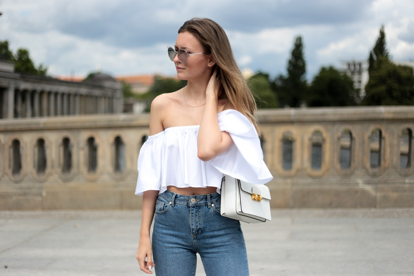 Carmen Top, Mom Jeans & Chanel Pumps