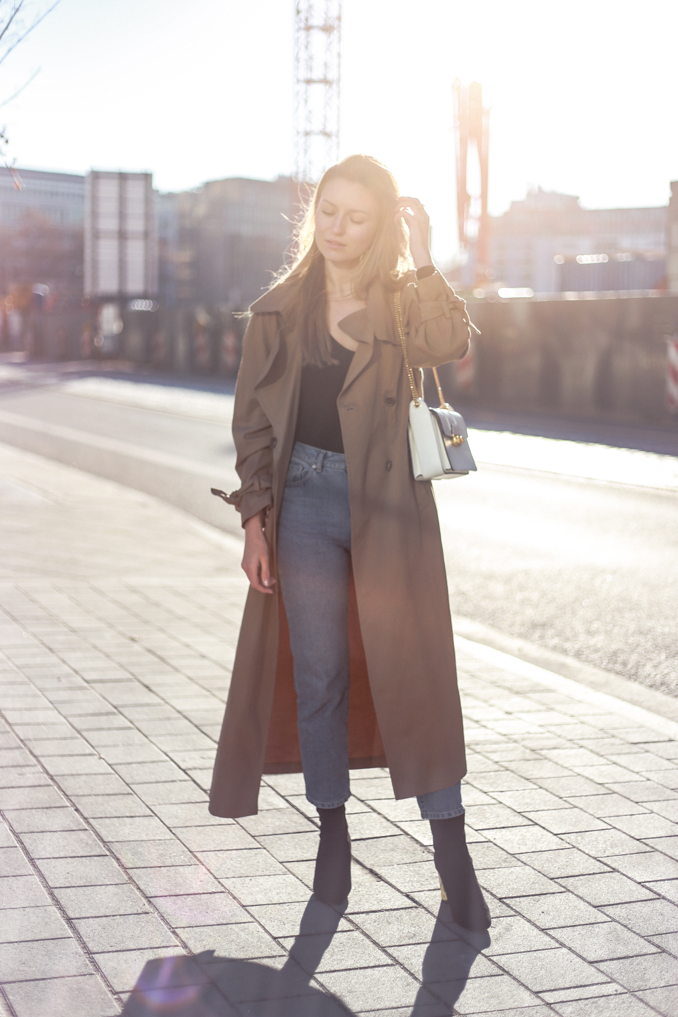 trenchcoat-momjeans-outfit-7712