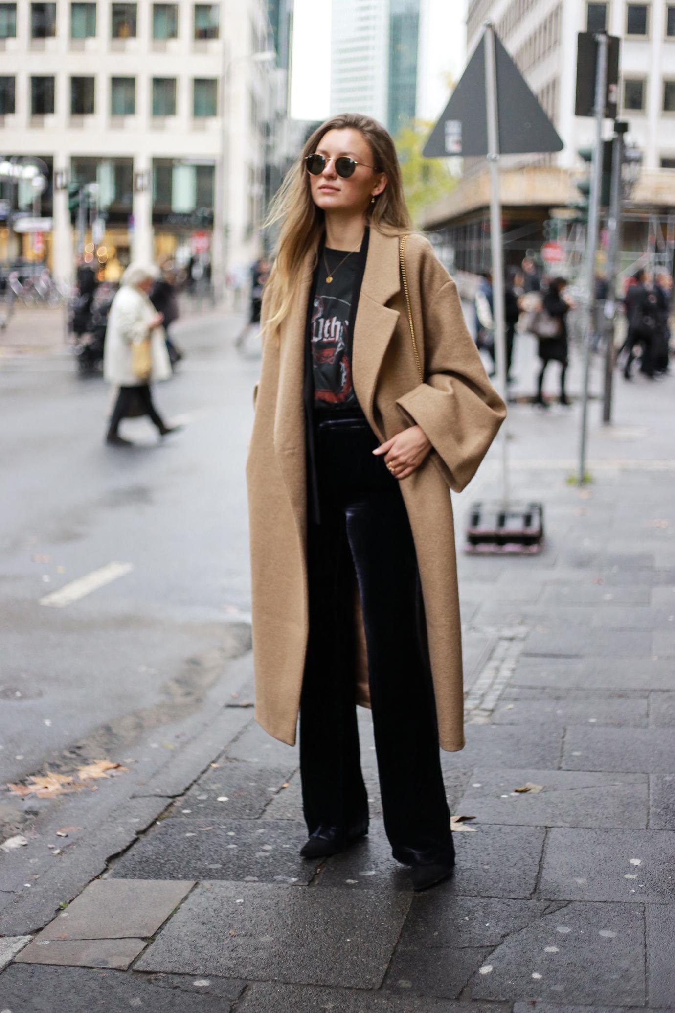 velvet-band-shirt-camel-coat-outfit-livia-auer-6516