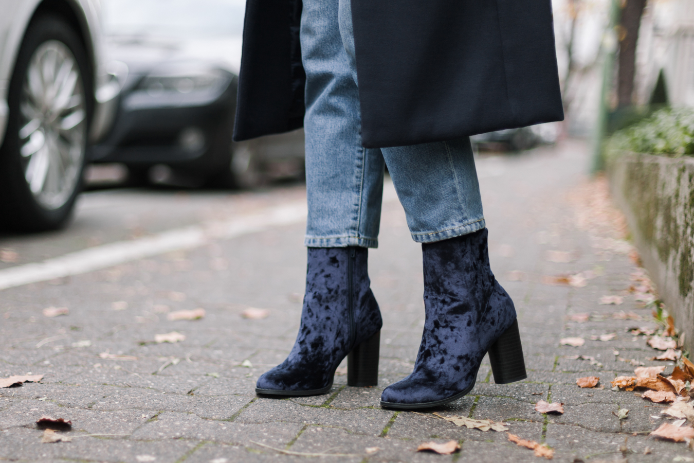 velvet-boots-mom-jeans-outfit-livia-auer-4112