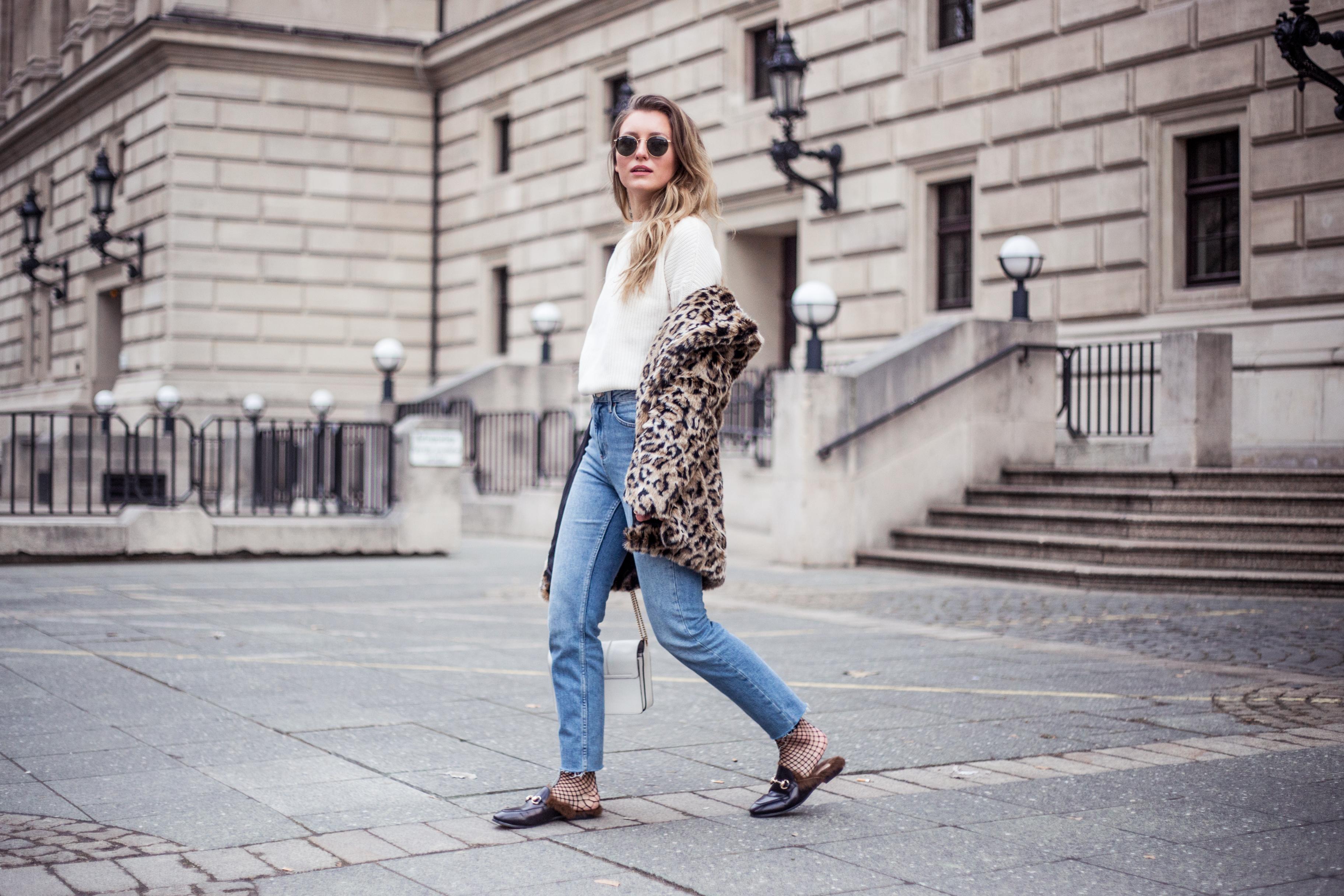 gucci-mules-leopard-fake-fur-outfit-livia-auer-9785