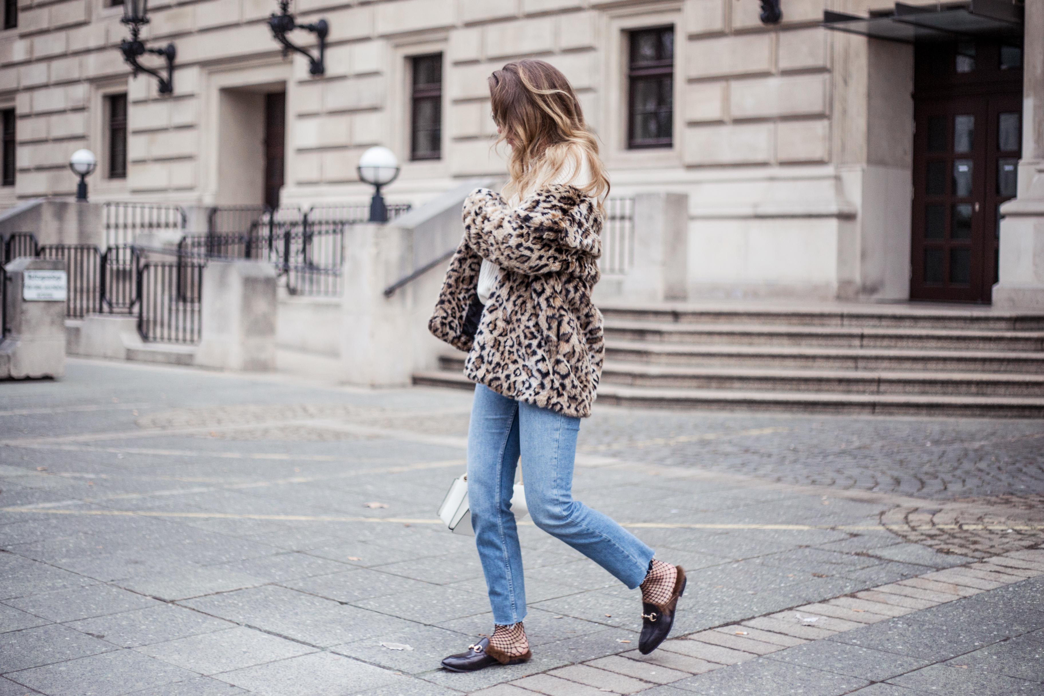 gucci-mules-leopard-fake-fur-outfit-livia-auer-9810