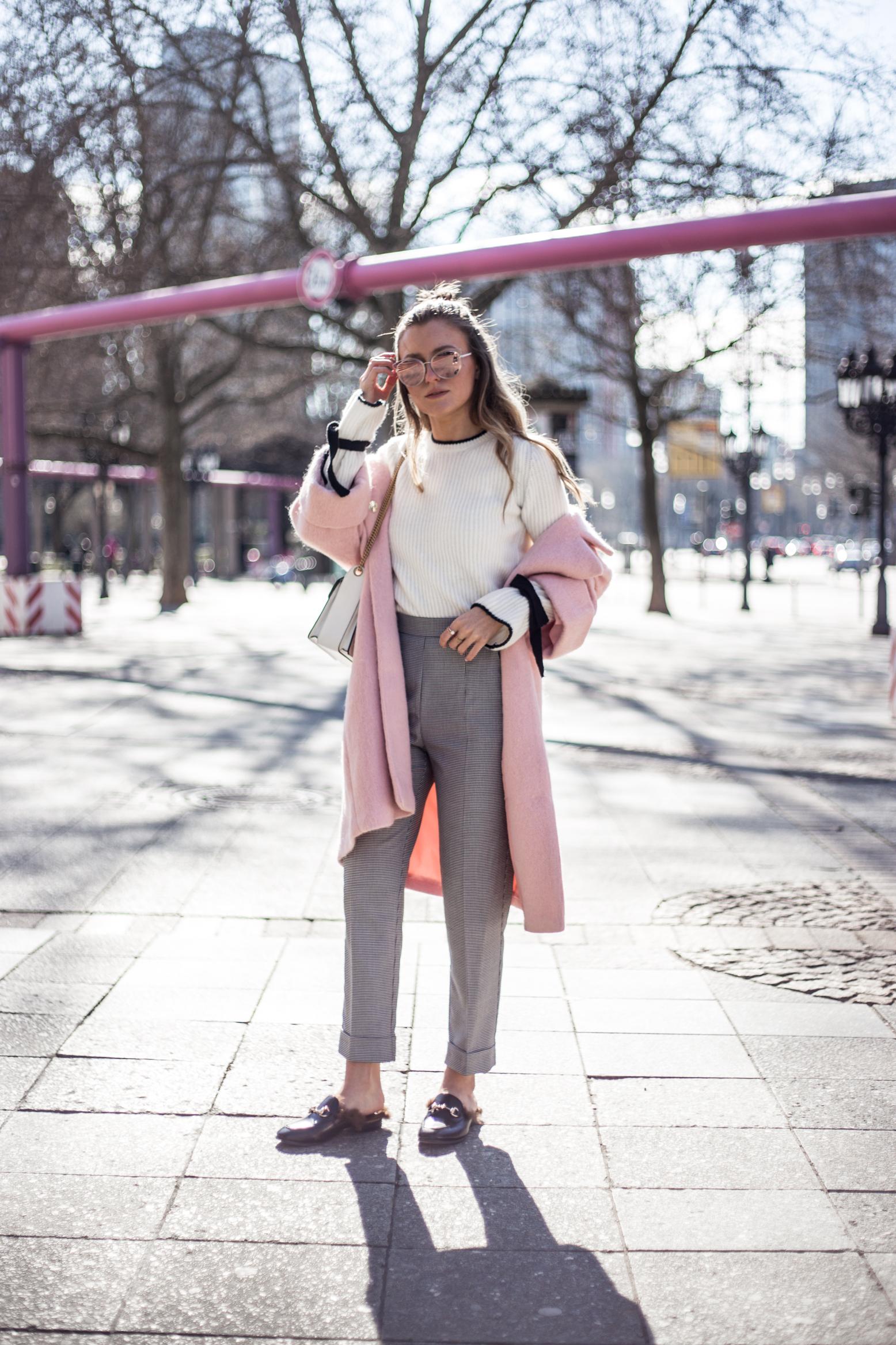 pink-coat-gucci-slipper-livia-auer-1715