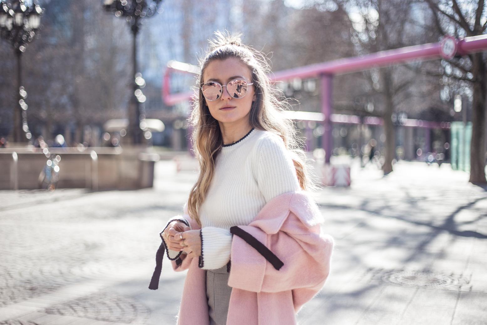 pink-coat-gucci-slipper-livia-auer-1751
