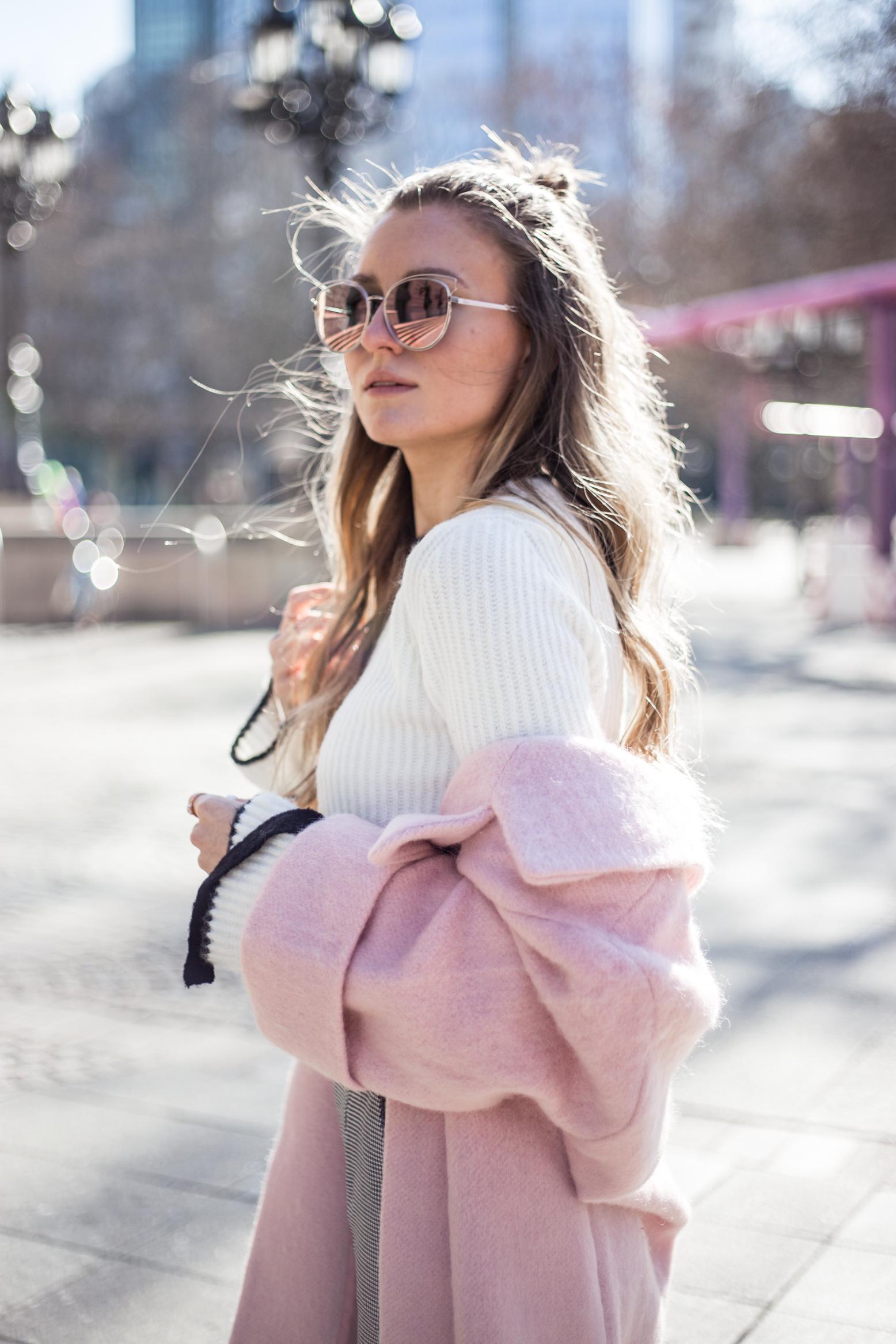 pink-coat-gucci-slipper-livia-auer-1778