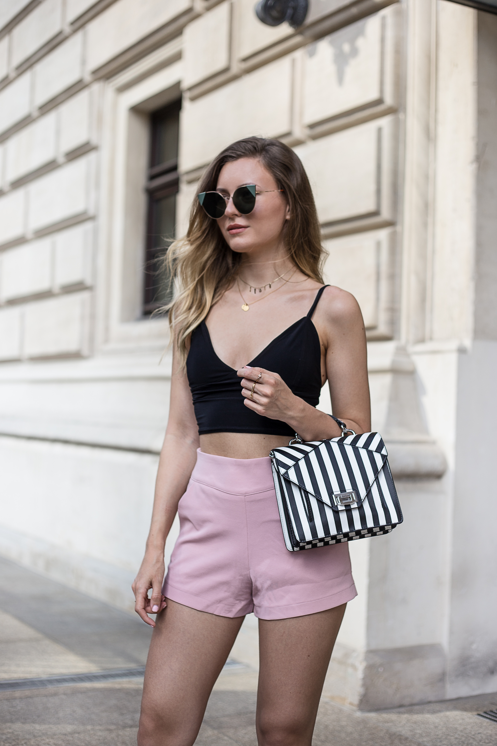 crop-top-pearl-sandals-livia-auer-IMG_7254