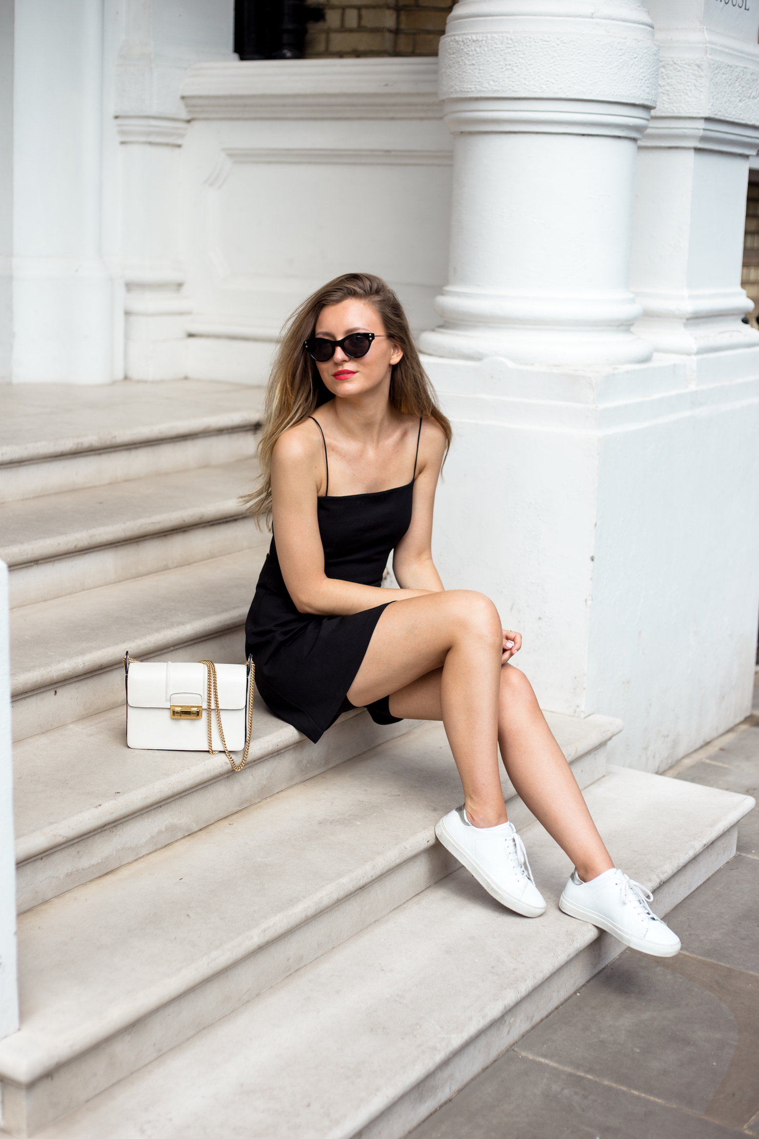 tie-dress-cat-eye-outfit-livia-auer-and-other-stories-livia-auer-outfit-5