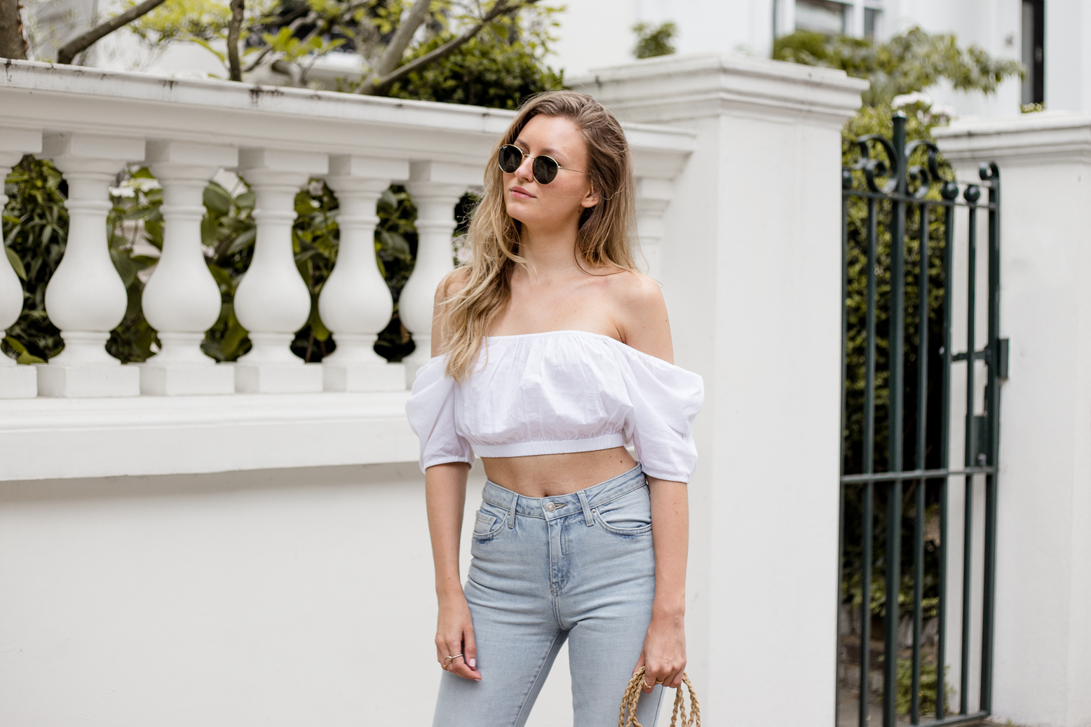 crop-top-raw-edge-denim-outfit-livia-auer--4