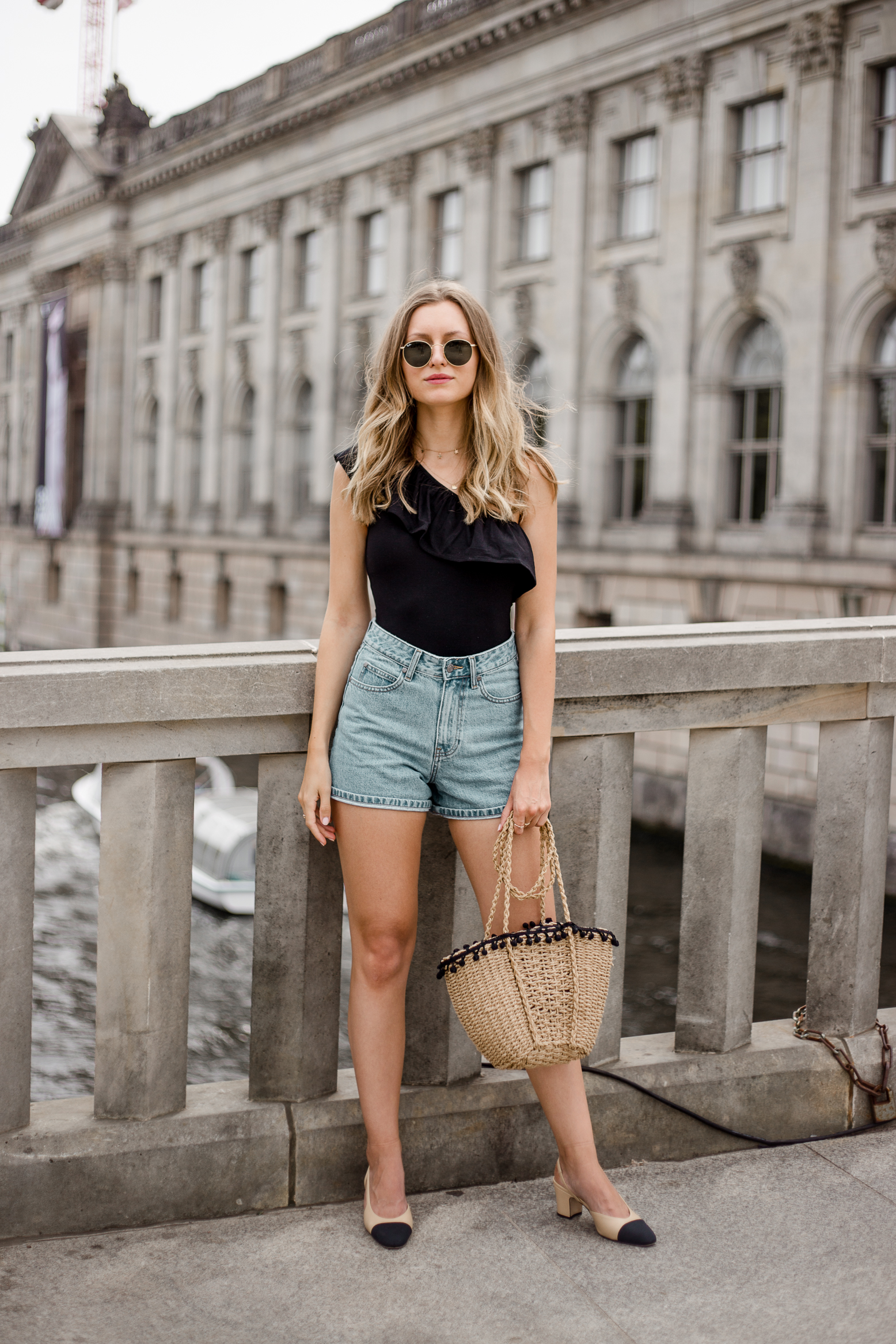 edited-frill-top-denim-shorts-livia-auer--3
