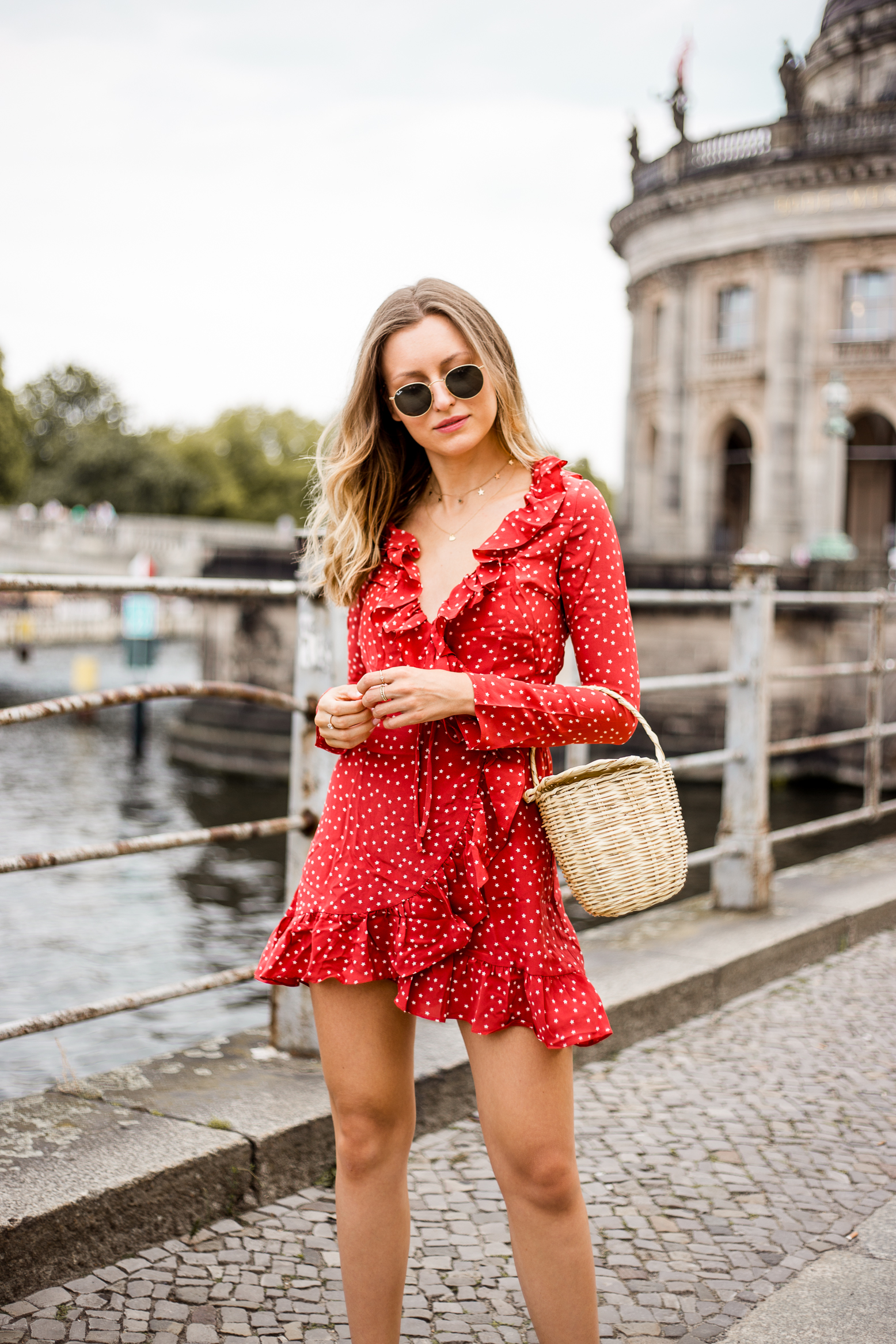 realisation-red-dress-livia-auer-