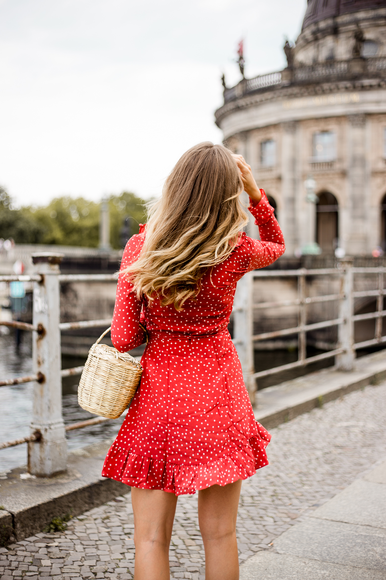 realisation-red-dress-livia-auer--2