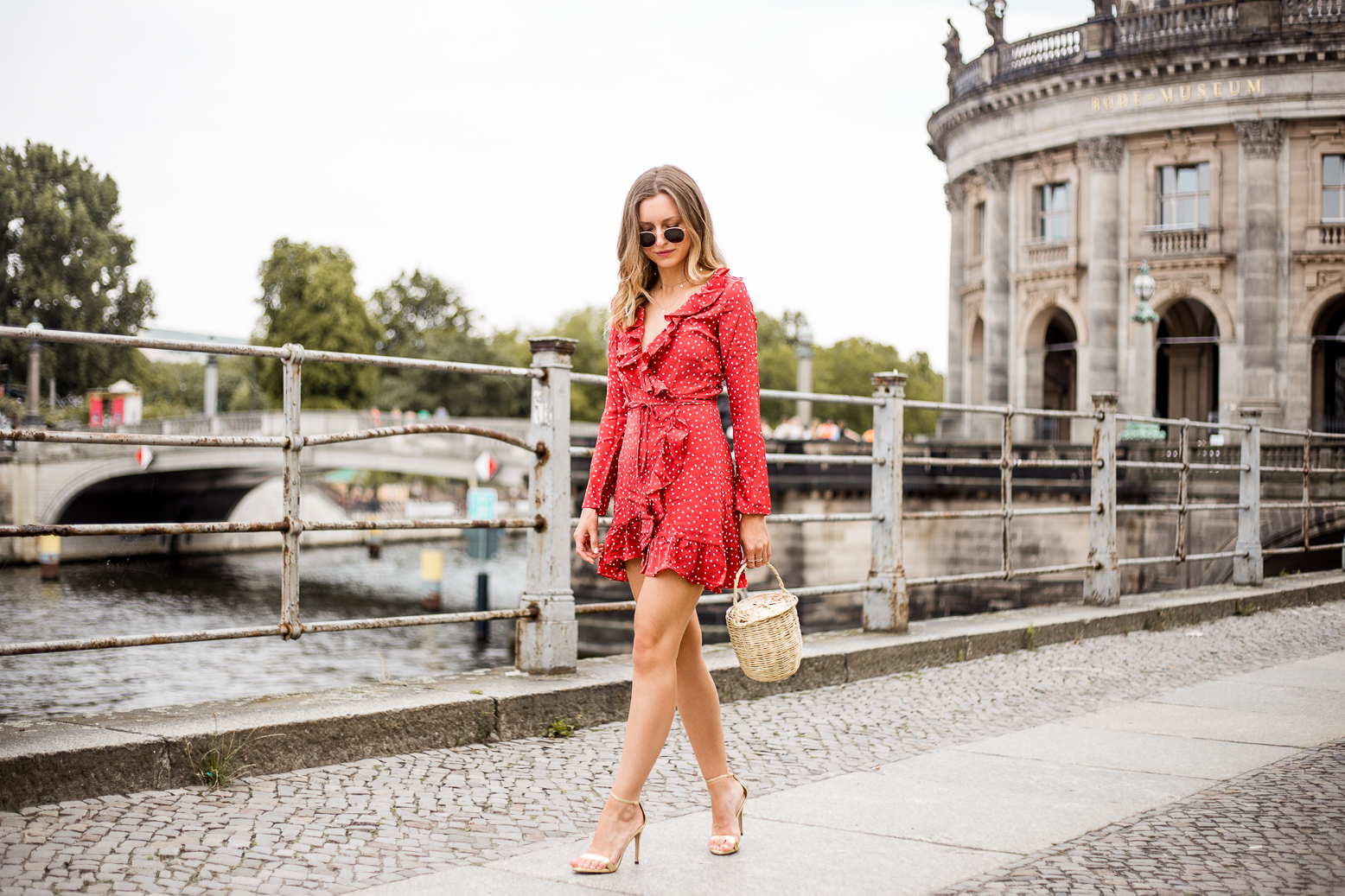 realisation-red-dress-livia-auer--5