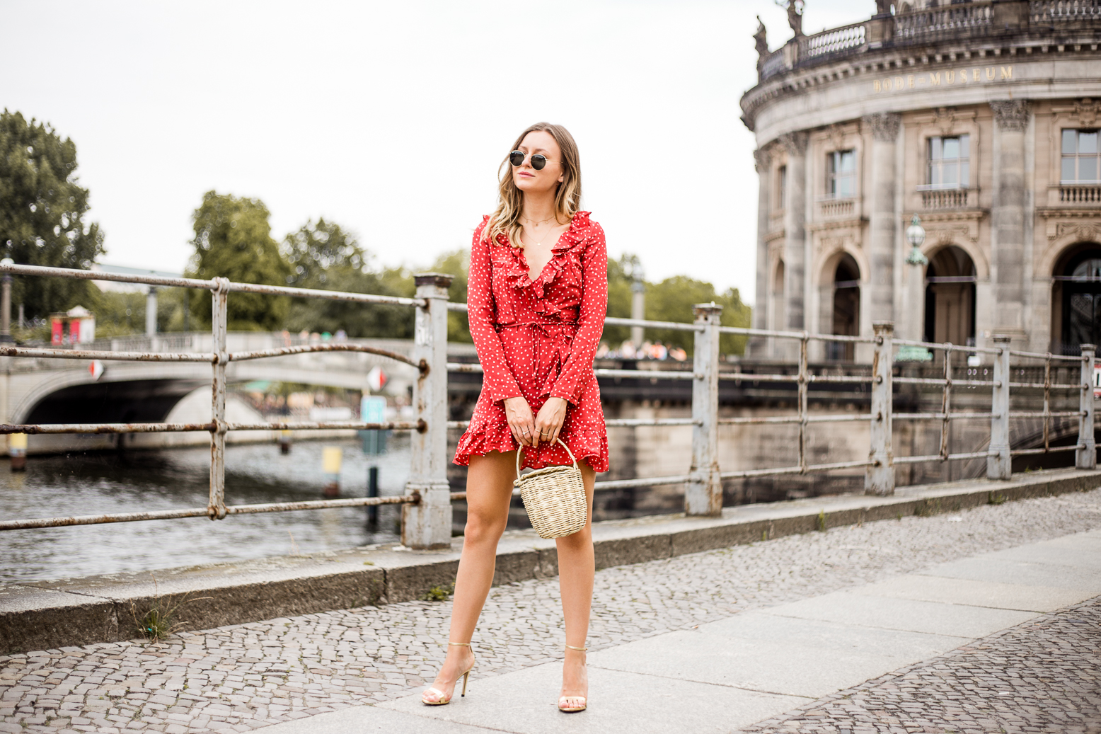 realisation-red-dress-livia-auer--6
