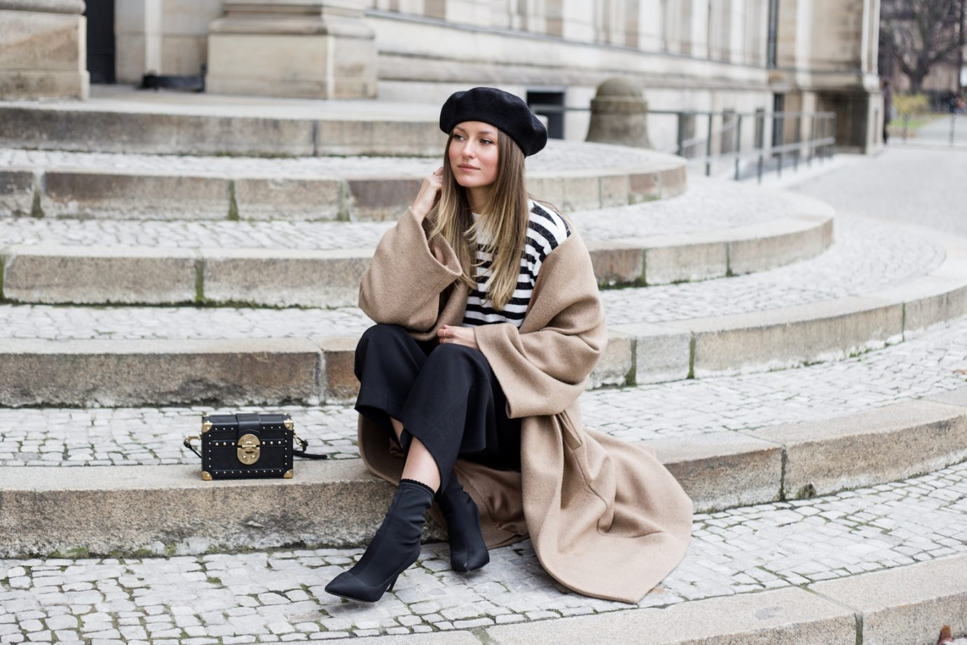 CAMEL COAT & BERET HAT