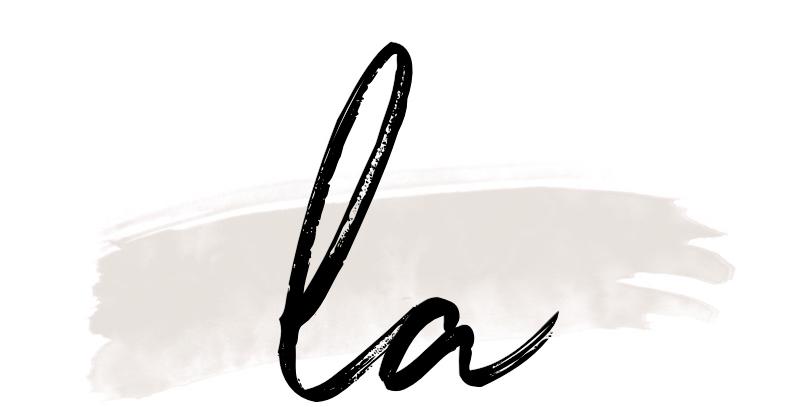 LIVIA AUER